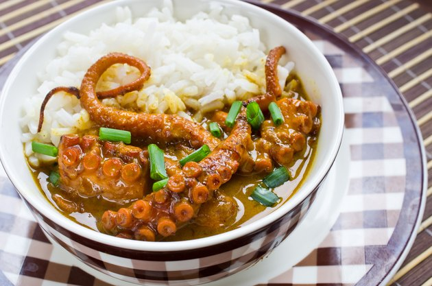 Octopus curry with rice and chives