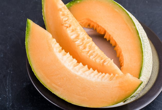 Cantaloupe melon slices