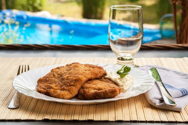 Breaded Poultry fillet served outdoor