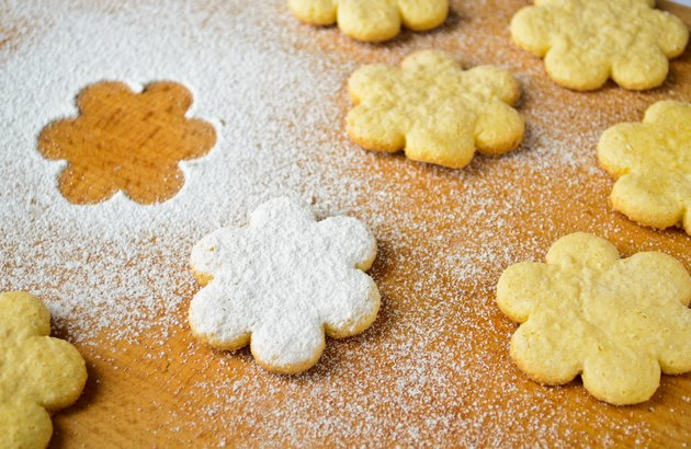 Christmas gingerbread cookies, sprinkled with powdered sugar