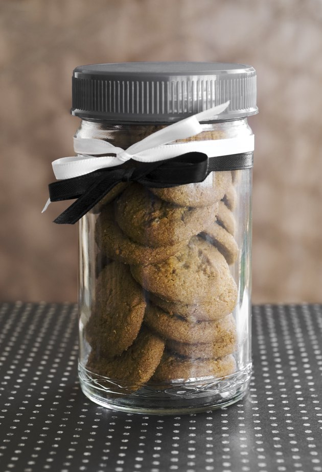 ginger snaps in jar