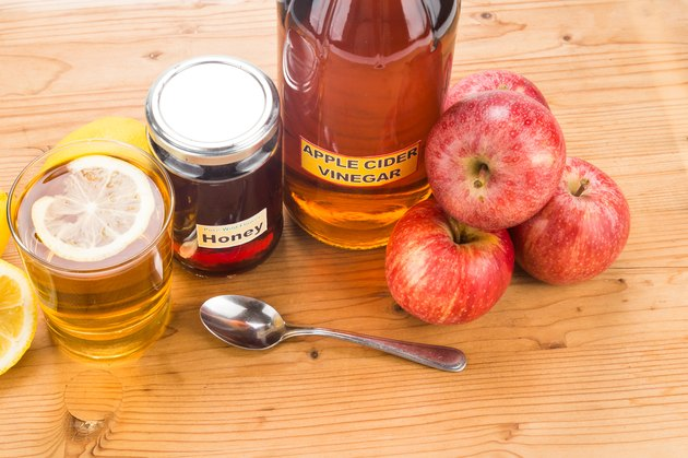 Apple cider vinegar with honey and lemon, natural health remedies