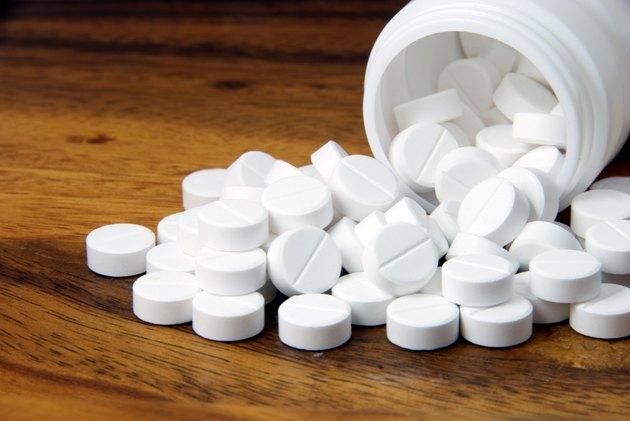 White pills, Oral medicine, paracetamol,