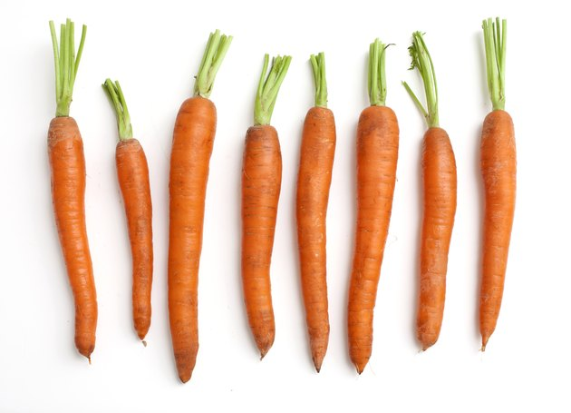 carrots arranged by size