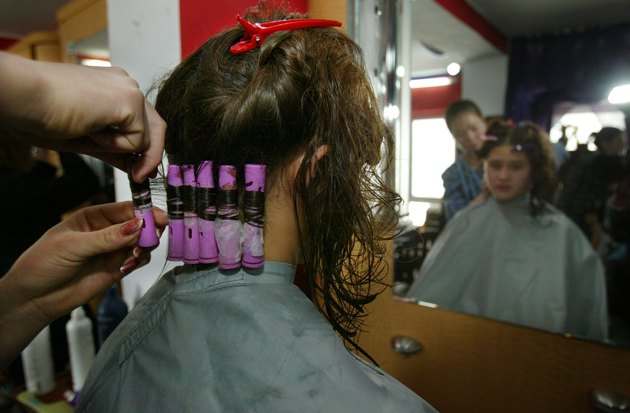 Kabul Beauty School Teaches Women To Be Hairdressers
