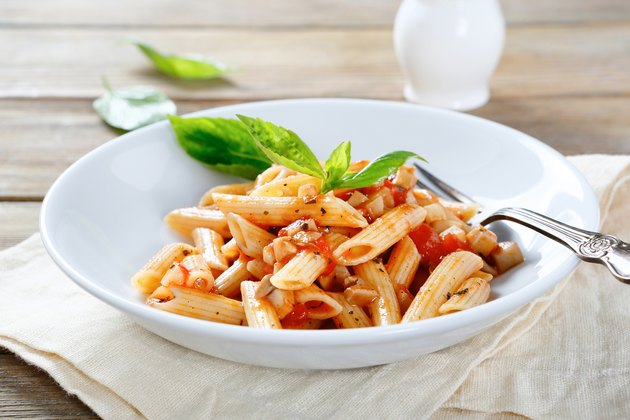 penne with sauce and mushrooms