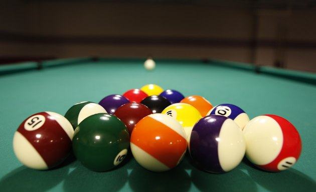 Color balls in triangle, aiming at cue ball