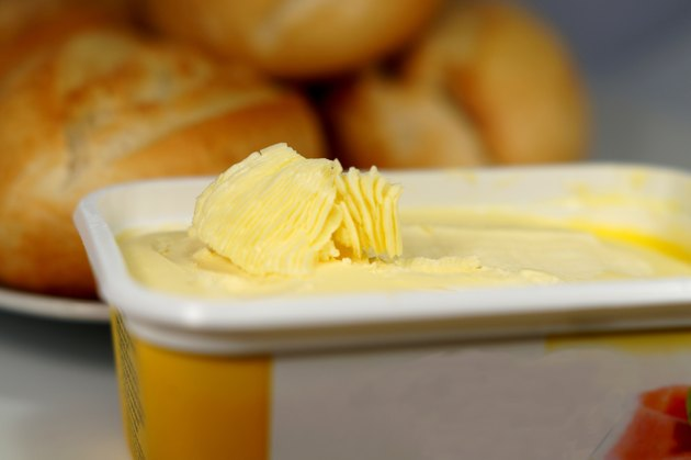 Brötchen und Margarine