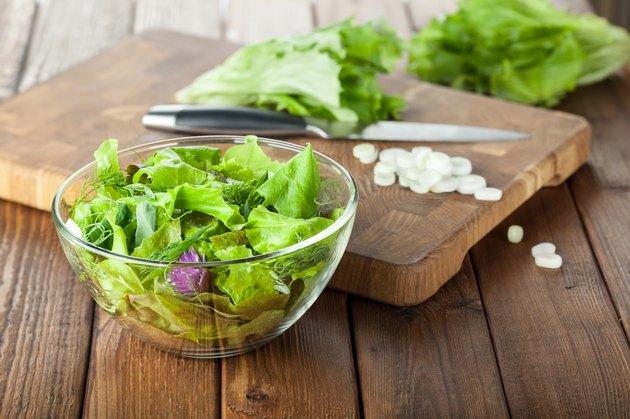 Green seasoning salad preparation