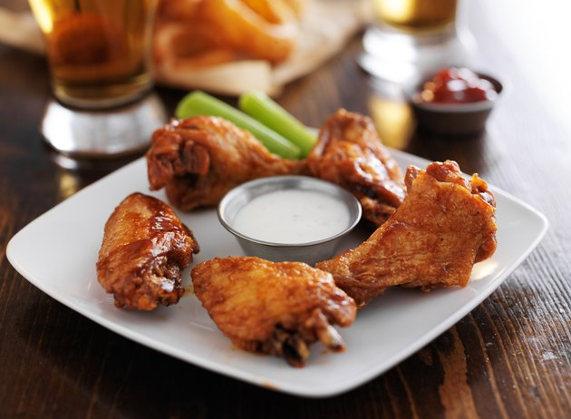buffalo barbecue hot chicken wings
