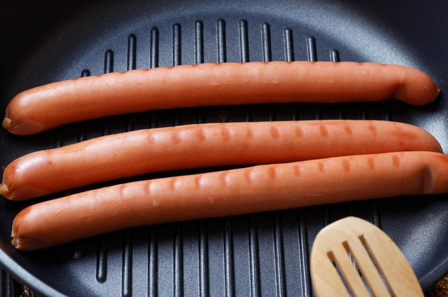 Sausage on the pan grill