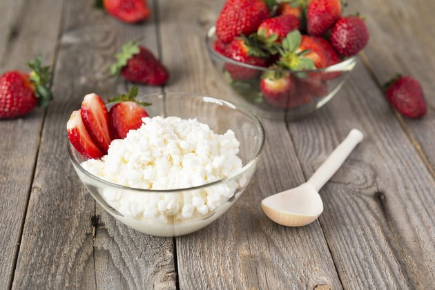 Cottage cheese and strawberry