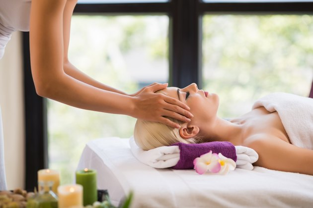 Getting scalp massage