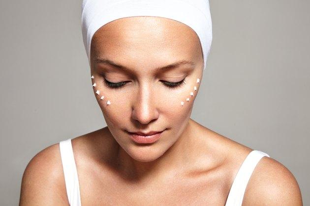 facial treatmint, eye cream, closeup image