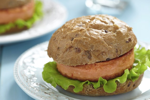 Salmon fishburger sandwich