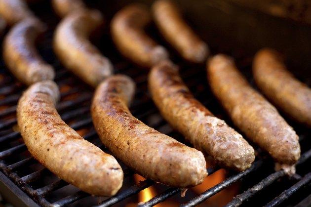 grilled sausage link cooking