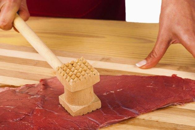 Tenderizing meat