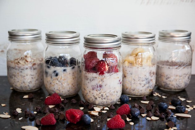 a week's worth of overnight oats for breakfast