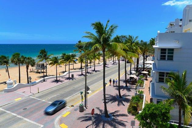 Car passes Sunrise Beach in Fort Lauderdale, Florida.