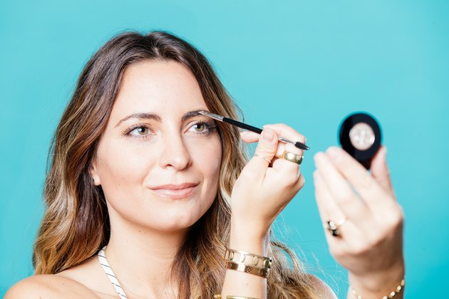 Jenna Gruttadauria fills in her brows