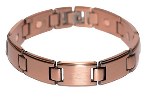 With many bold styles of copper bracelets to choose from, men can also benefit from copper jewelry.