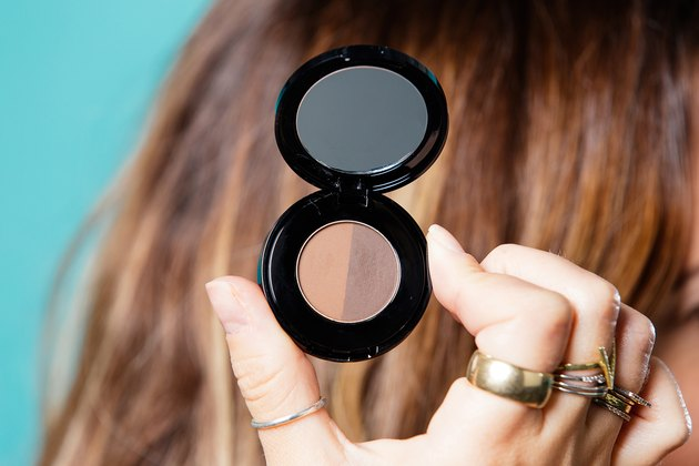 Jenna Gruttadauria compares brow powder to hair