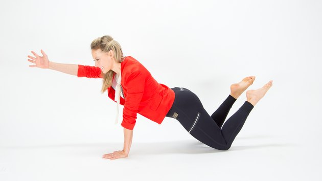 Elise Joan demonstrating the Kneeling Plank