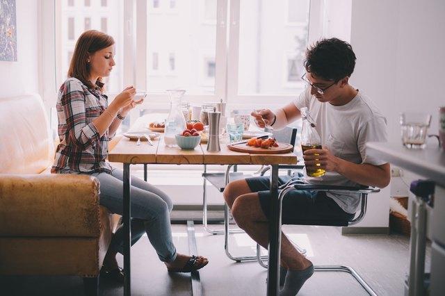 couple having breakfast