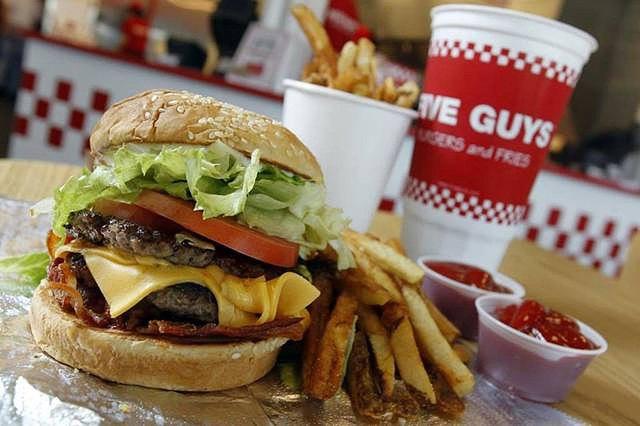 Cheeseburger at Five Guys