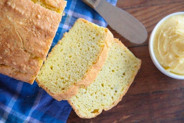 Garlic, Dill and Cheddar Keto Bread