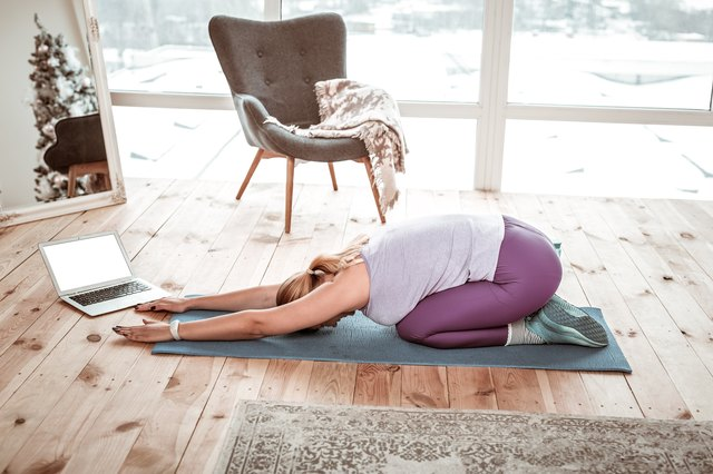 5-Minute Yoga Routine to Keep You Calm During the Holidays