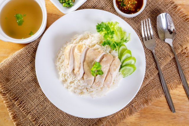 How to Steam Chicken for Healthy Eating | Livestrong.com