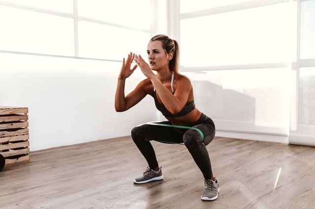 WOMEN BODYWEIGHT AND FITNESS EXERCISES - cover