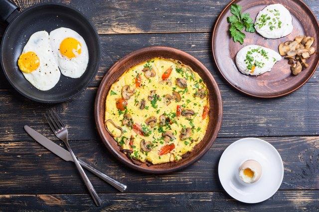 Various methods of cooking eggs