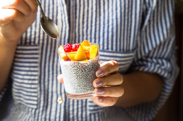 7 Healthy Snacks That Crush Those Midafternoon Cravings | Livestrong.com