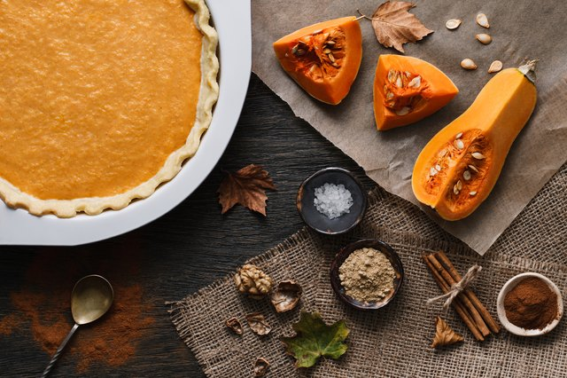 Pumpkin pie cooking process