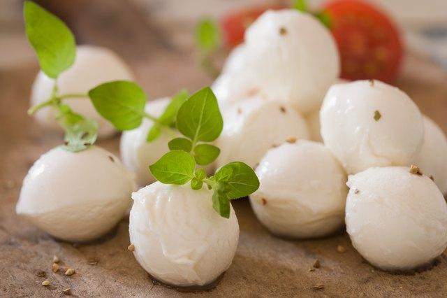 Mozzarella and herbs