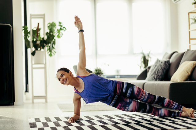 A 20-Minute Ab-Igniting AMRAP Workout You Can Do at Home