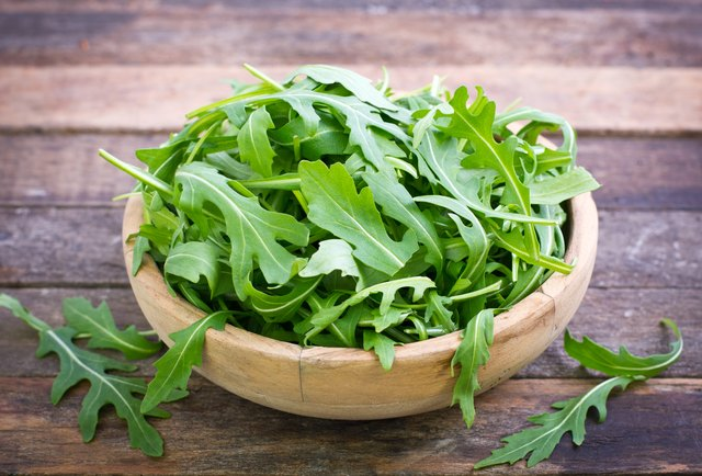 Arugula 101: Nutrition Facts, Health Benefits, Warnings and Delicious Recipes to Try