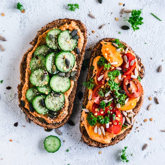Paprika Hummus toasts with tomato and cucumber