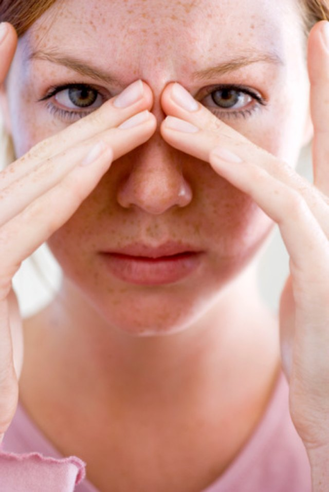The Best Ways to Get Rid of a Sinus Headache & Sore Throat