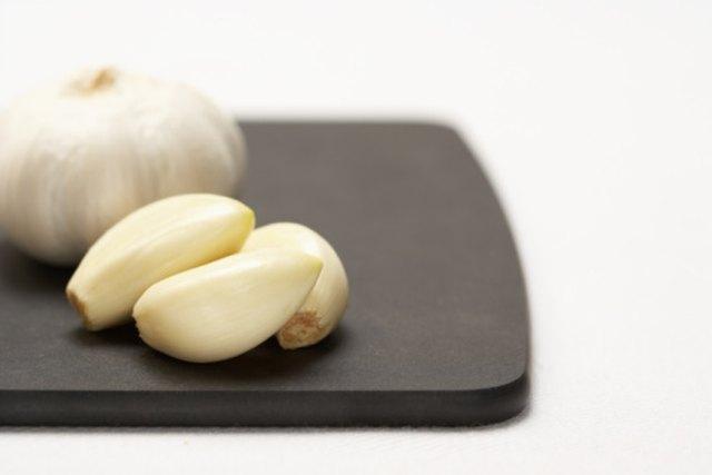 Use of Garlic Against Fungus