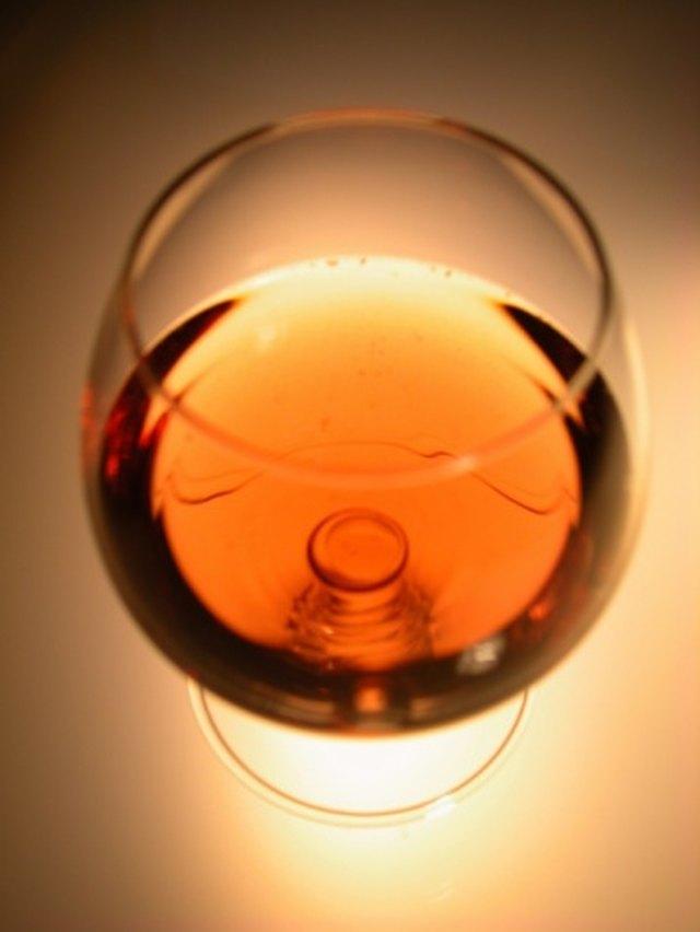 How Do I Make Apple Brandy at Home?