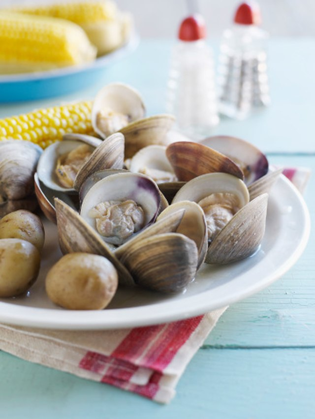 Calories in Steamed Clams