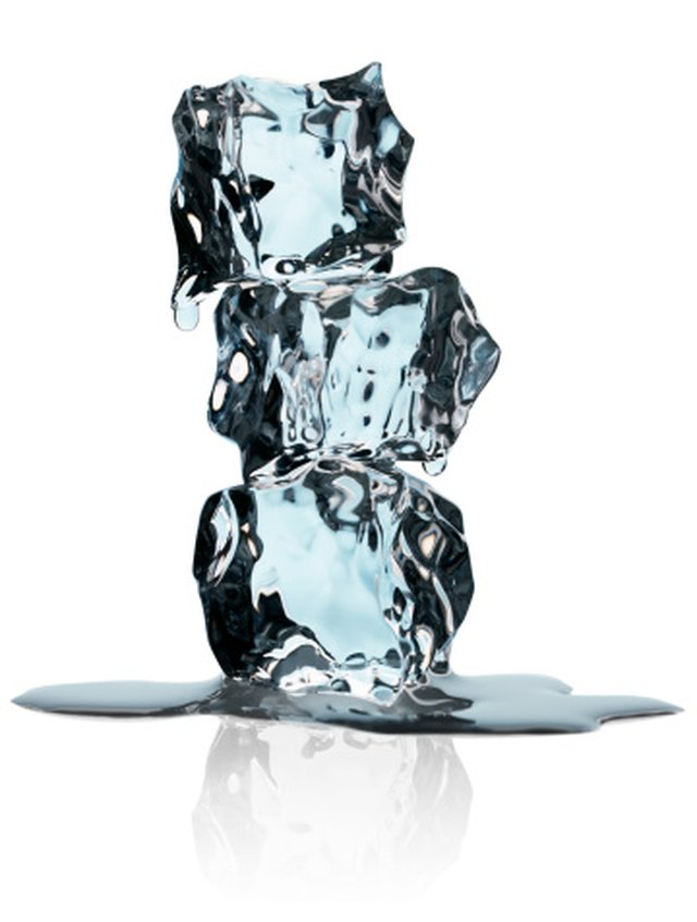 How to Remove Acne Scars With Ice