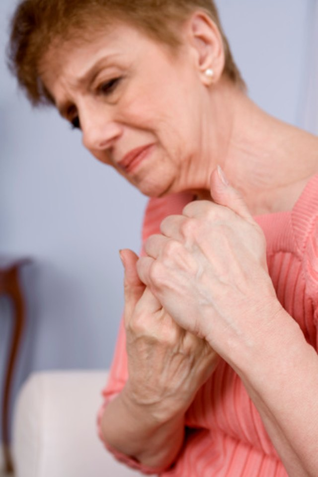 What Are the Causes of Aching Bones & Joints?