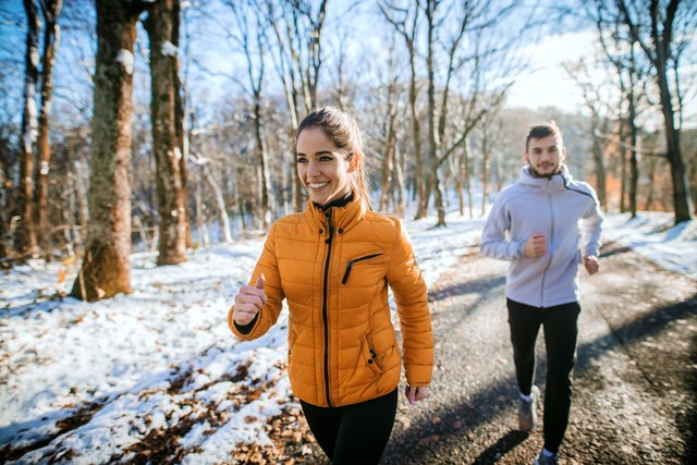 The Perfect 6-Minute Warm-Up for Outdoor Winter Workouts