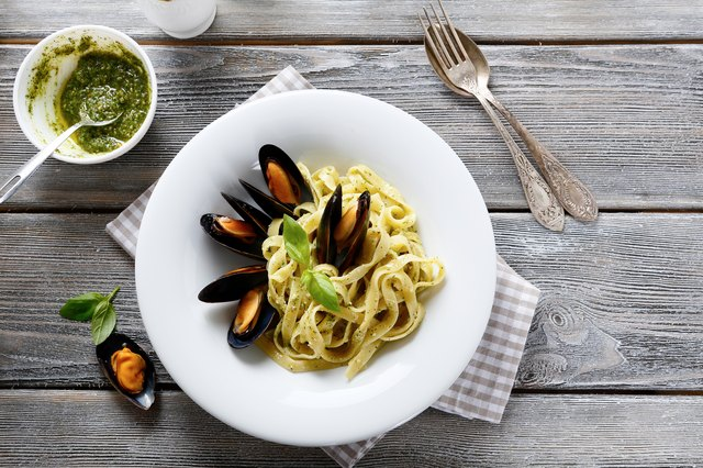 Nutritional pasta with seafood mussels