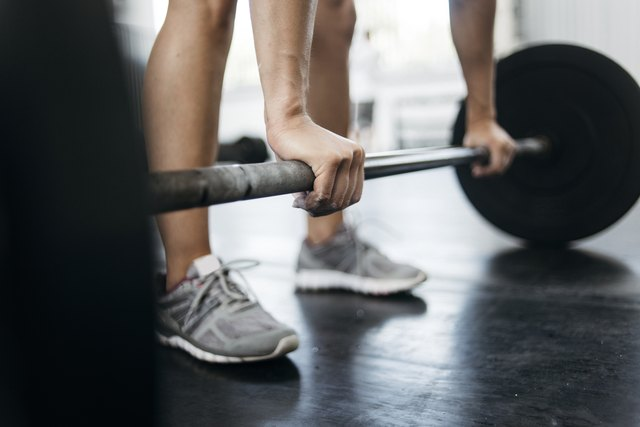 8 Reasons Your Wrists Might Hurt From Weight Lifting (and What to Do About It) | Livestrong.com