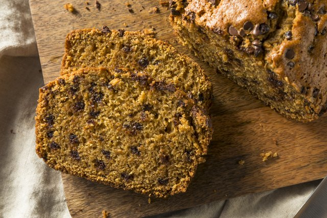 How to Make Delicious Pumpkin Bread for Every Diet, From High-Protein to Vegan